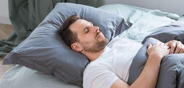 ¿Cómo dormir tras un injerto capilar?